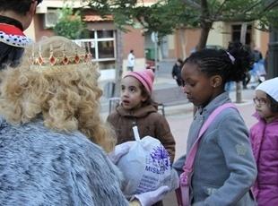 els-reis-mags-d-orient-visiten-l-av-de-la-pau-de-mislata-3