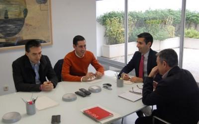Reunión alcalde con el gerente FGV