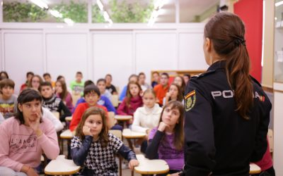 Charla Policía prevención del acoso escolar-1