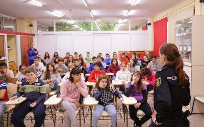 charla-policia-prevencion-del-acoso-escolar-3