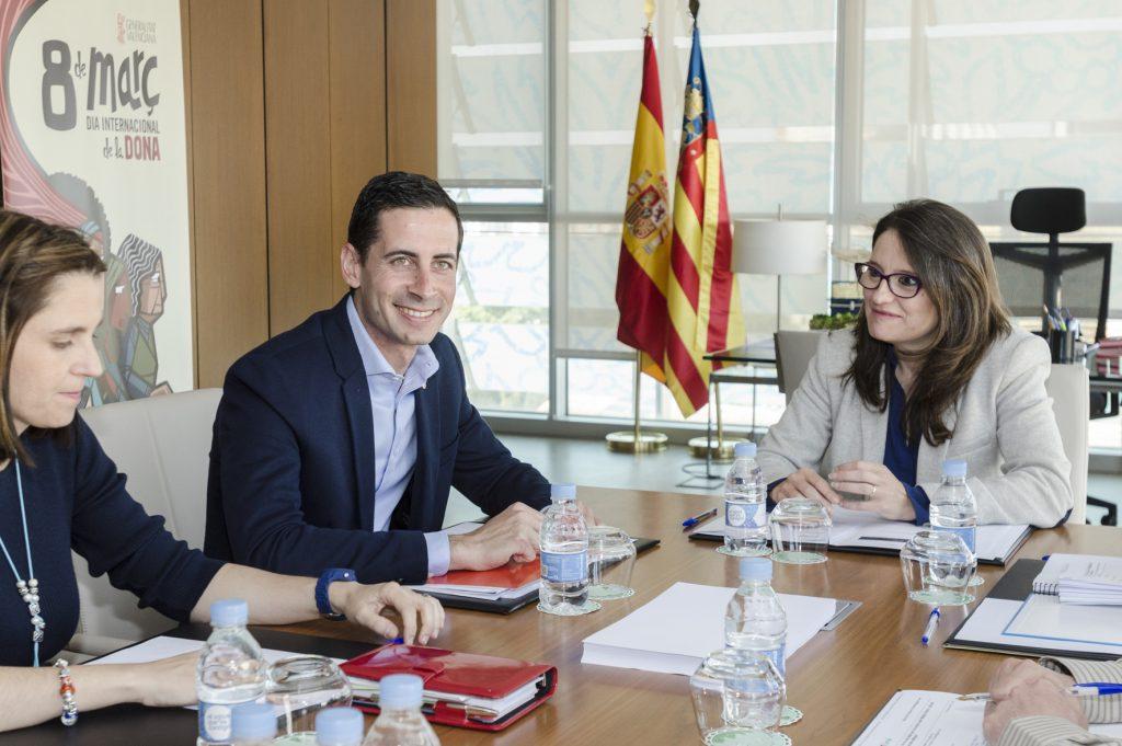 reunion-alcalde-de-mislata-con-monica-oltra-3