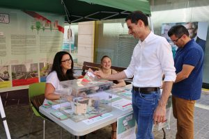 El alcalde de Mislata, Carlos Fernández Bielsa, ha participado en Mislata Opina de manera presencial.