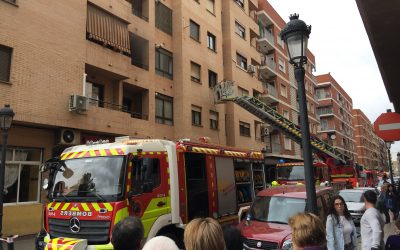 Gran despliegue de medios que se ha desplazado hasta la calle Braç dels Horts de Mislata.